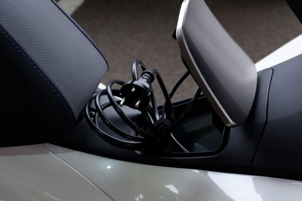 Resmi Diluncurkan, Honda PCX Electric Belum Dijual ke Publik