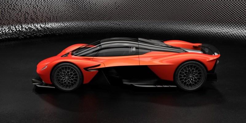 Aston Martin Valkyrie, 1160 HP di Jalan Raya!
