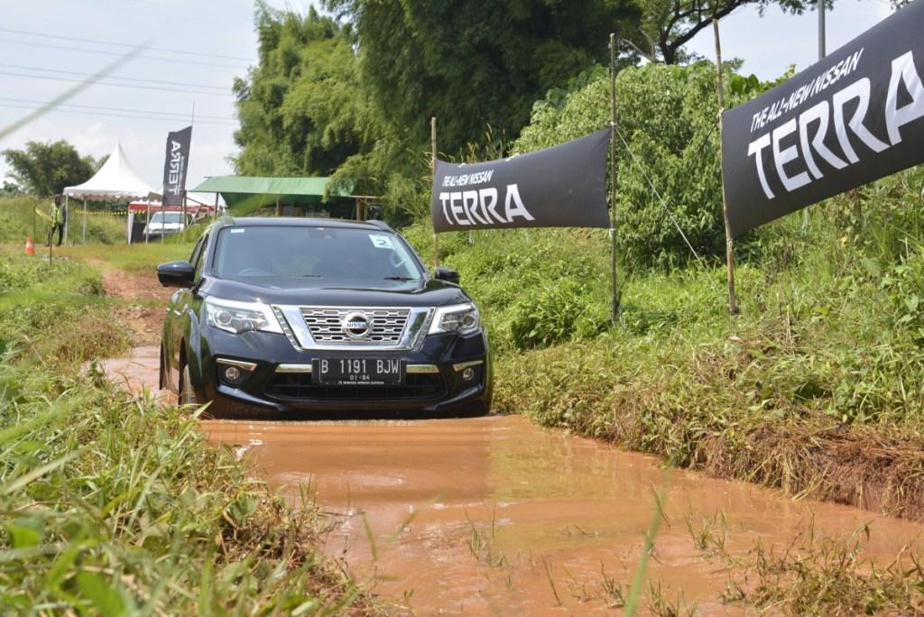 Nissan Terra Main Offroad, Begini Rasanya!