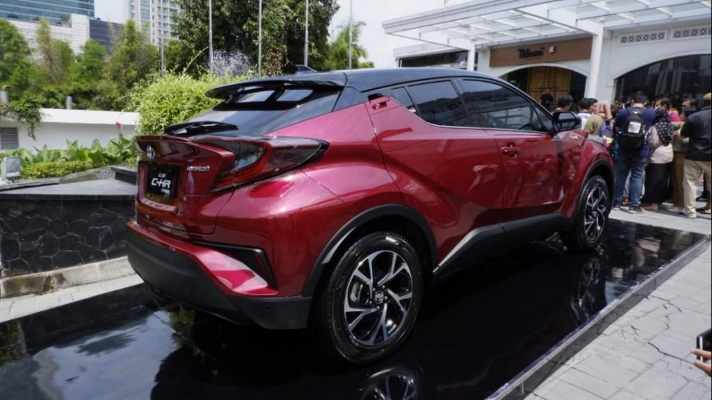 Menanti Toyota C-HR Hybrid, Bisa Lebih Murah!