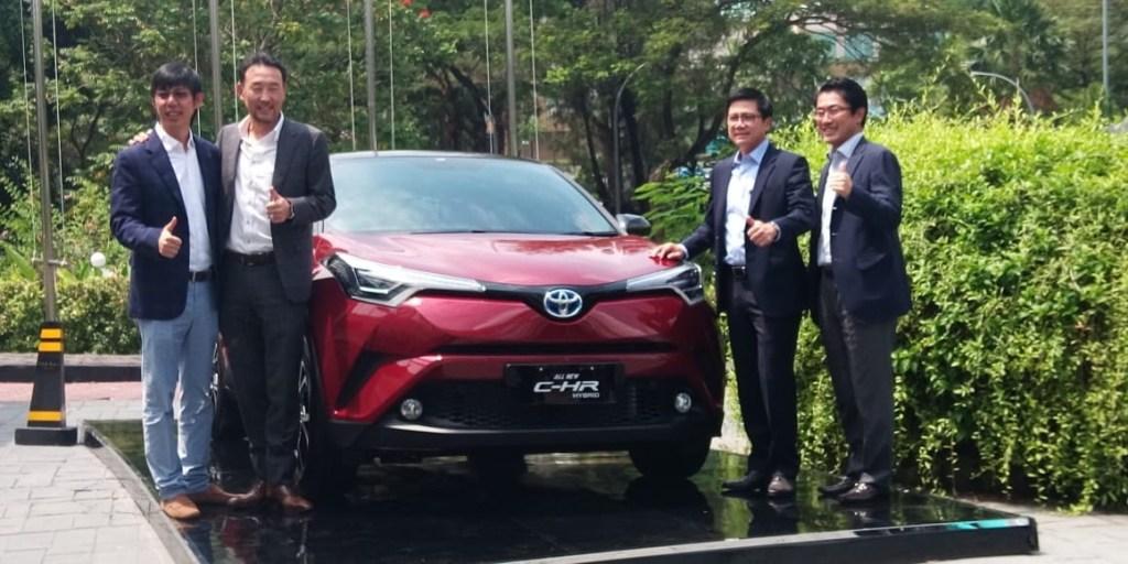 Toyota C-HR Hybrid Meluncur, Mobil Hibrida Termurah dari Toyota
