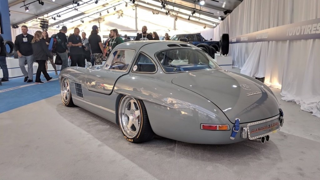 "Modifikasi ""Jelmaan"" Mercedes-Benz 300SL Gullwing"