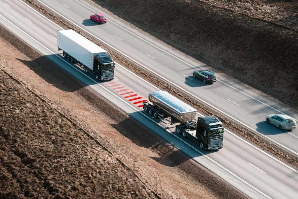 Volvo Trucks Perkenalkan Teknologi Distance Alert