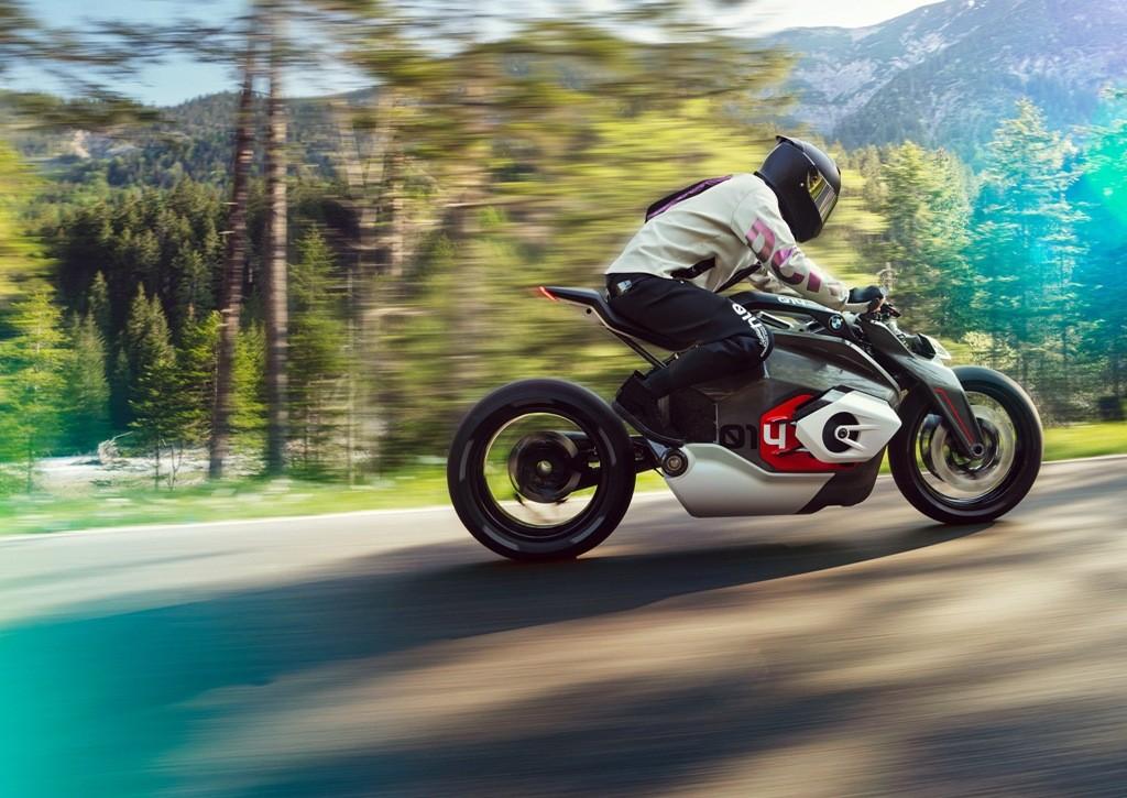 BMW Motorrad Vision DC Roadster, Motor Masa Depan