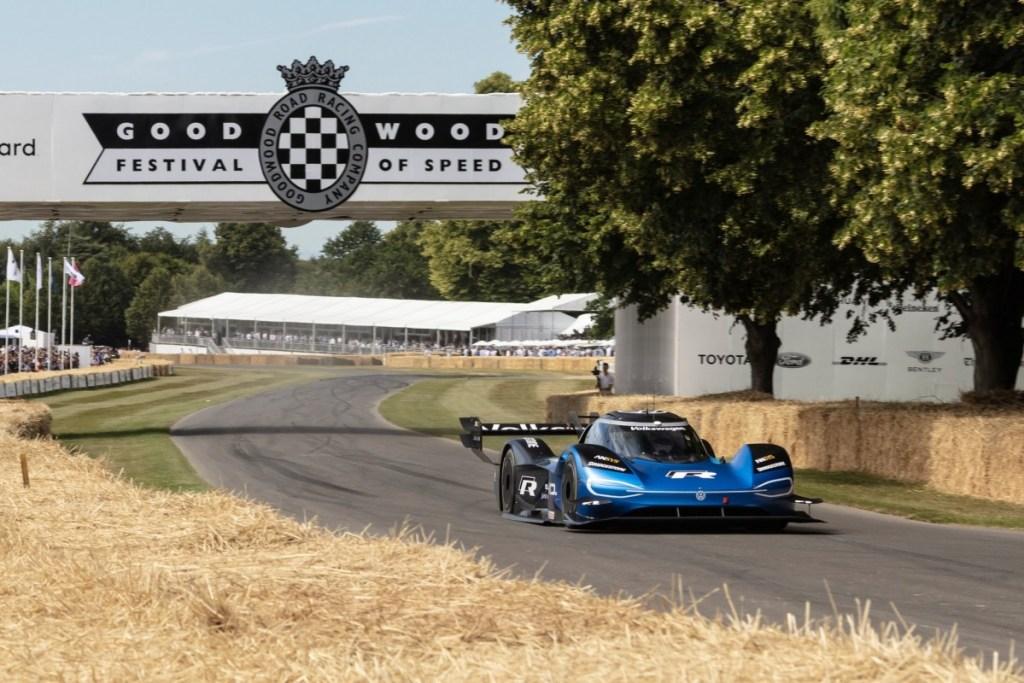 Volkswagen ID R Akhirnya Patahkan Rekor F1 di Goodwood 2019