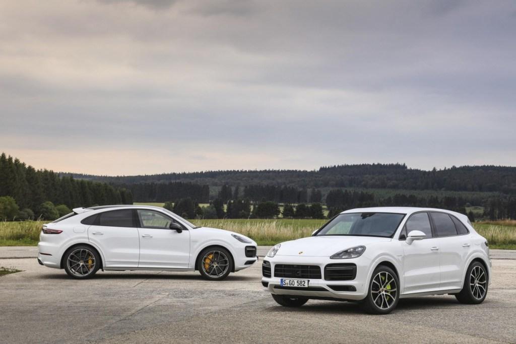 Kok Bisa Porsche Cayenne Tandingi Sportscar?