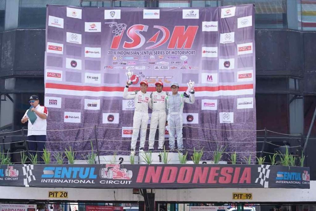 3 Toyota Yaris Kuasai Podium Japan Super Touring Car
