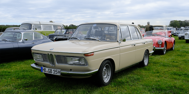 3_classic_and_sports_car_goodwood_revival_2019_MM_BMW_2000
