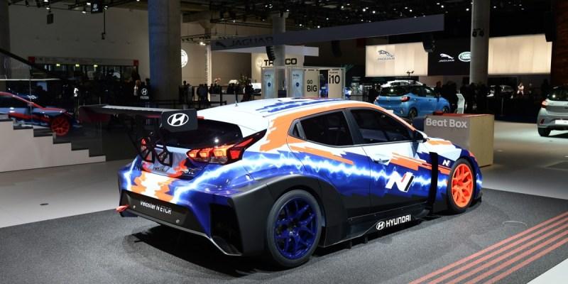 Mobil Balap Listrik Hyundai Veloster N ETCR