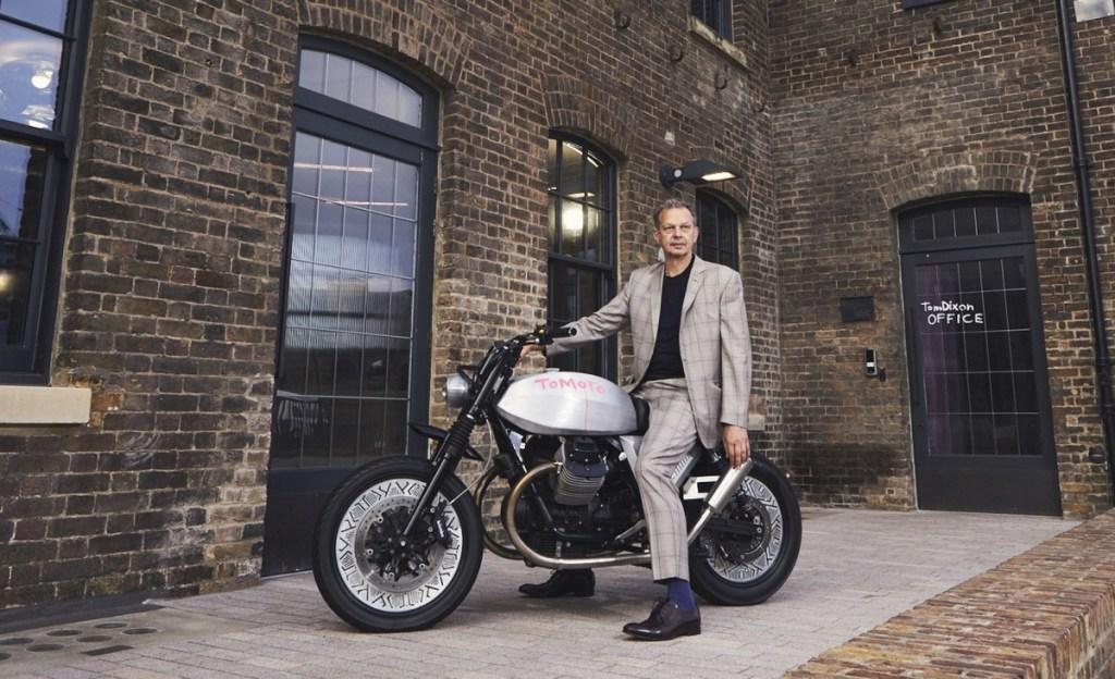 Moto Guzzi V7 Tomoto Tampil Berani di London Design Festival 2019