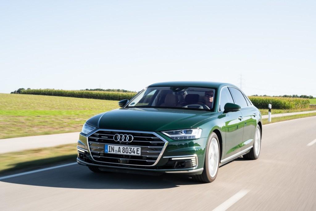 Audi A8 L 60 TFSI e quattro, Bisa Melaju Senyap Tanpa Emisi