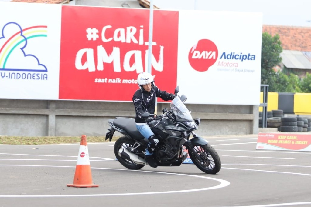 DAM Edukasi Safety Riding untuk Konsumen Honda Big Bike