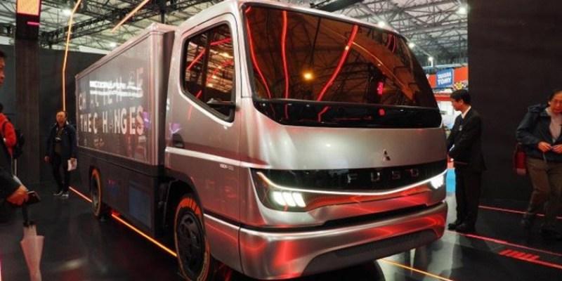 Mitsubishi Fuso Pamer Teknologi Kemudi Otomatis di TMS 2019