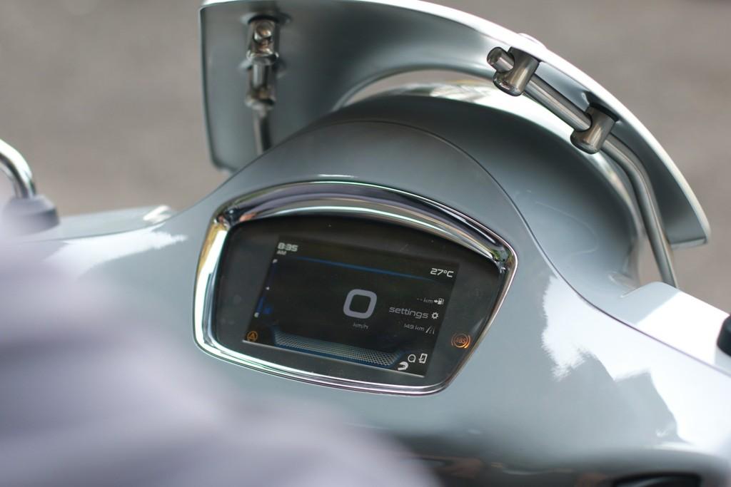 Inilah Sejumlah Keistimewaan dari Vespa GTS Super Tech 300