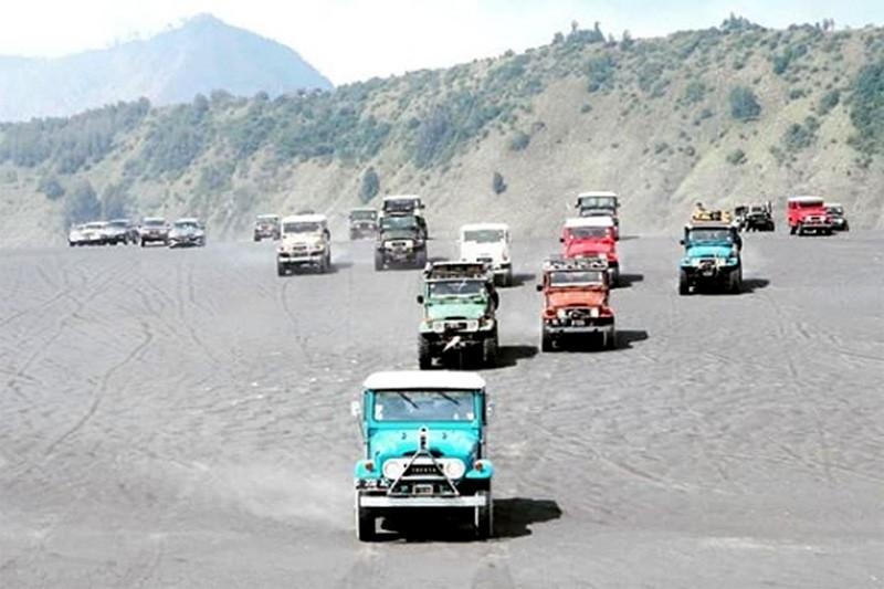Toyota Kembali Produksi Suku Cadang Land Cruiser Seri 40 1960-1984