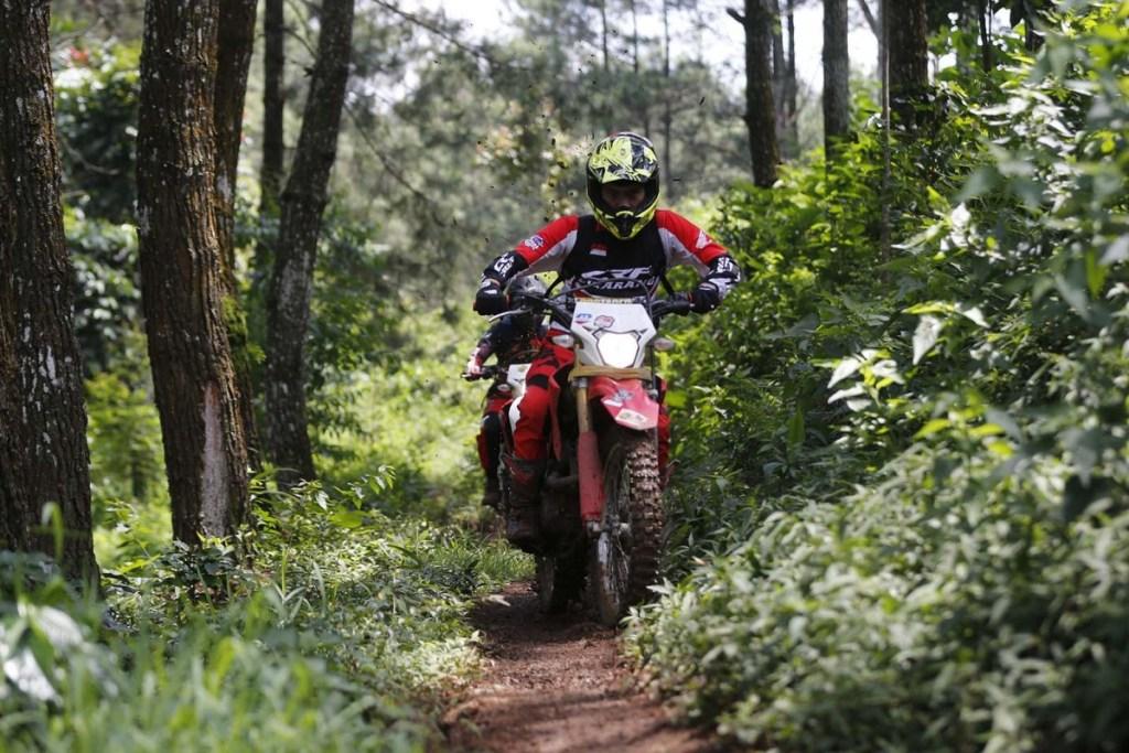 Keseruan Honda CRF150L Day Leisure Adventure Camp di Ciwidey