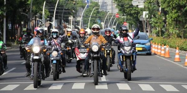 Royal Enfield Ajak Lady Bikers Keliling Jakarta