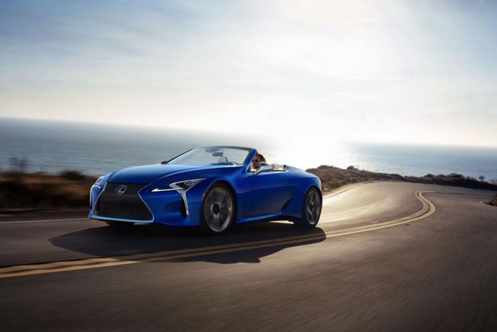 Produksi Pertama Lexus LC 500 Convertible 2021 Ini Dilelang