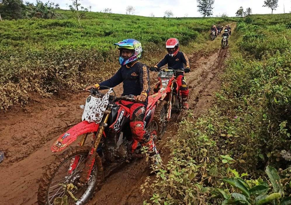 Honda CRF150L Temani Bikers Adventure dan Workshop Jurnalistik