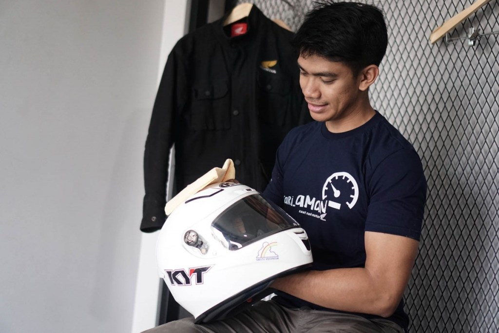 Tips Merawat Riding Gear Selama Work From Home