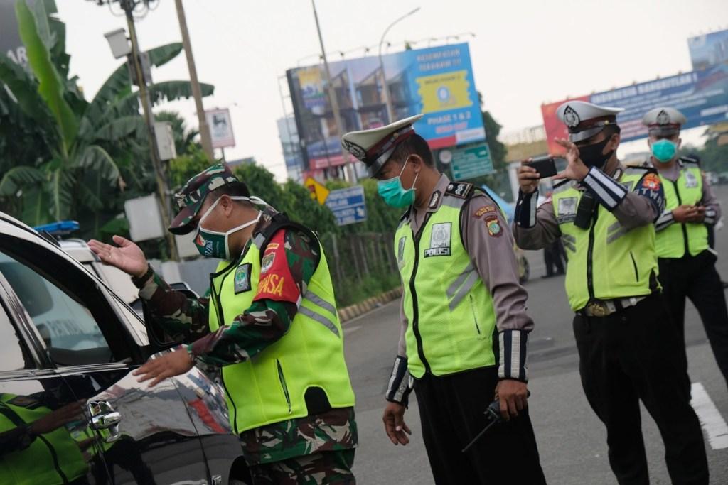 Hari Pertama Pemberlakuan PSBB di Bekasi