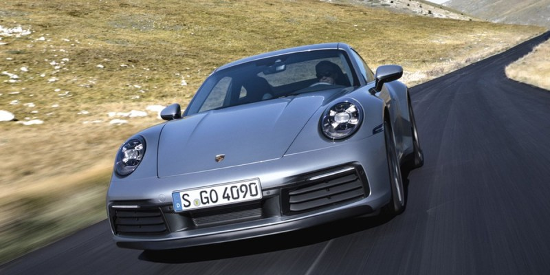 Porsche Taycan Raih Penghargaan 'World Luxury Car'