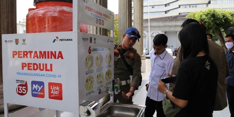 Pertamina Production Unit Jakarta Berikan Wastafel Daur Ulang