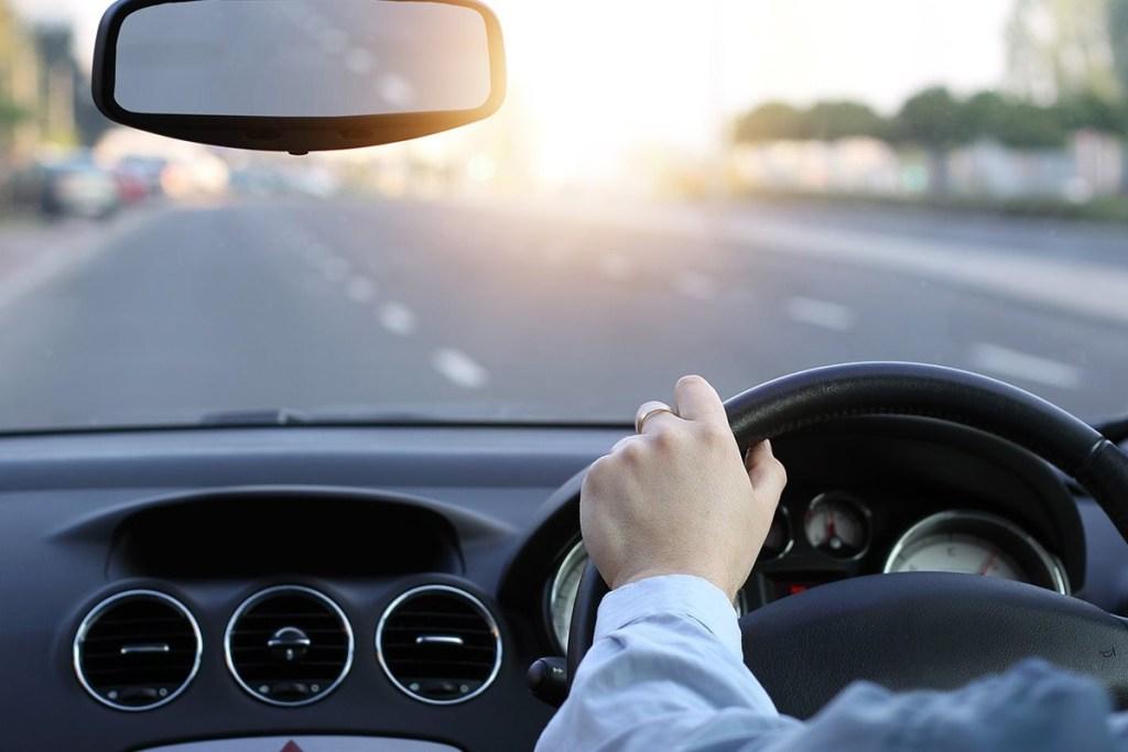 Cara Mencegah Serangan Jantung Ketika Mengemudi Mobil