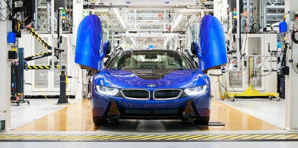 BMW i8 Disuntik Mati, Inilah Produksi Terakhirnya