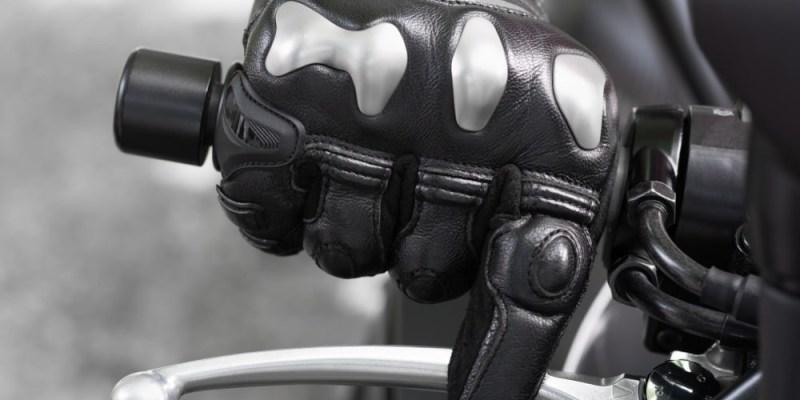 Teknik Tepat Pengereman Sepeda Motor yang Aman