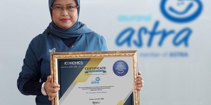Garda Oto Raih  Indonesia's Most Popular Digital Financial Brands