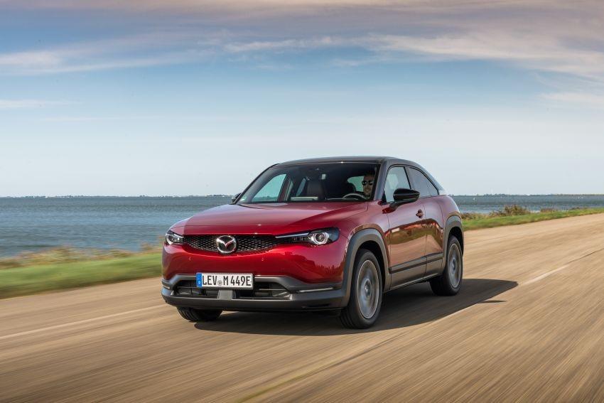 Mobil Hybrid Pertama Mazda Resmi Meluncur, Ini Harganya