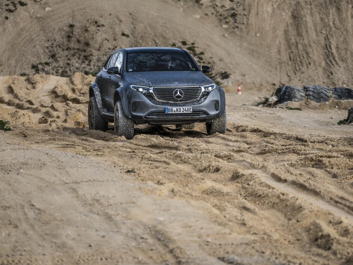 Mercedes-Benz EQC 4×4² Concept, SUV Listrik Penggaruk Tanah