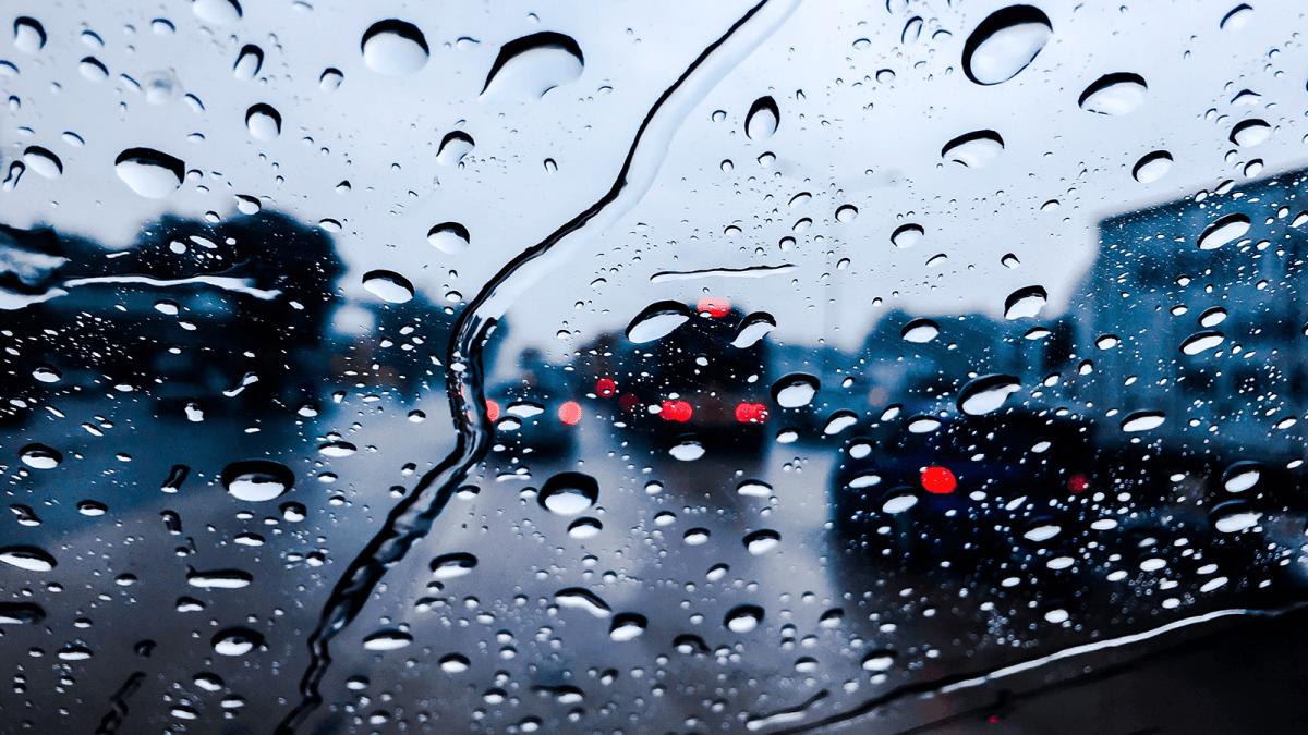 Mengemudi Dalam Hujan, Safety First!