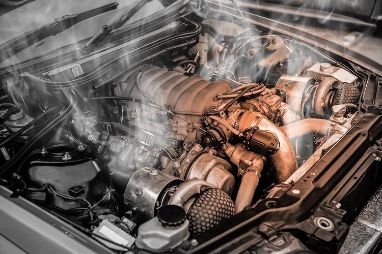 Paksakan Jalan Saat Mesin Mobil Overheat, Ini Akibatnya