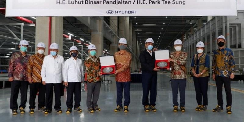 Kunjungi Pabrik Hyundai di Bekasi, Ini Harapan Luhut Pandjaitan