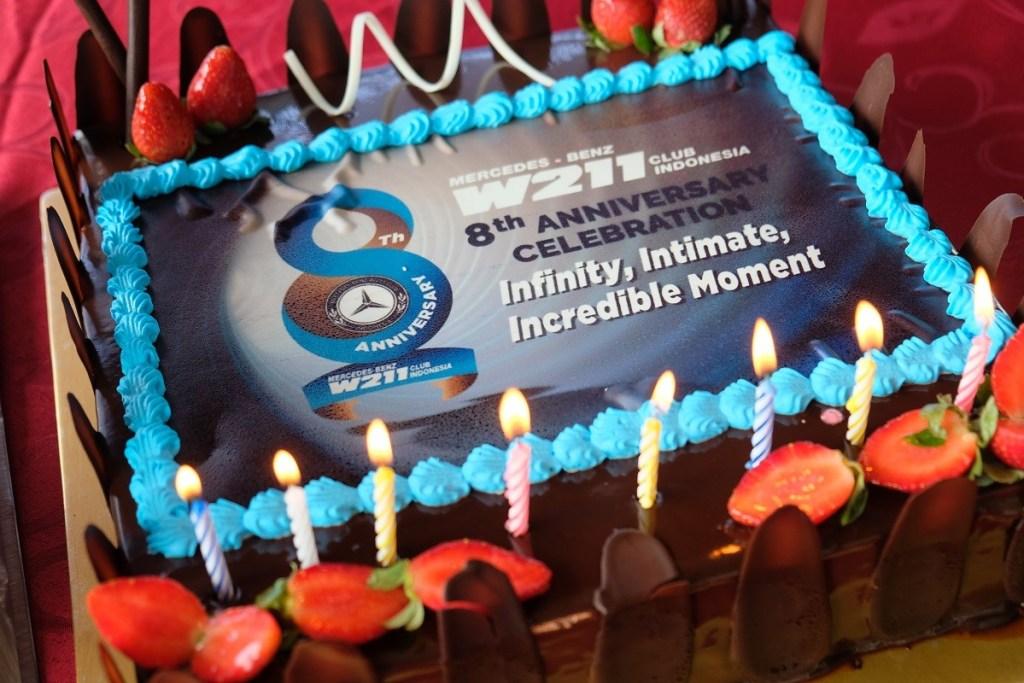 'Infinity, Intimate, Incredible Moment', 8 Tahun MB W211 CI