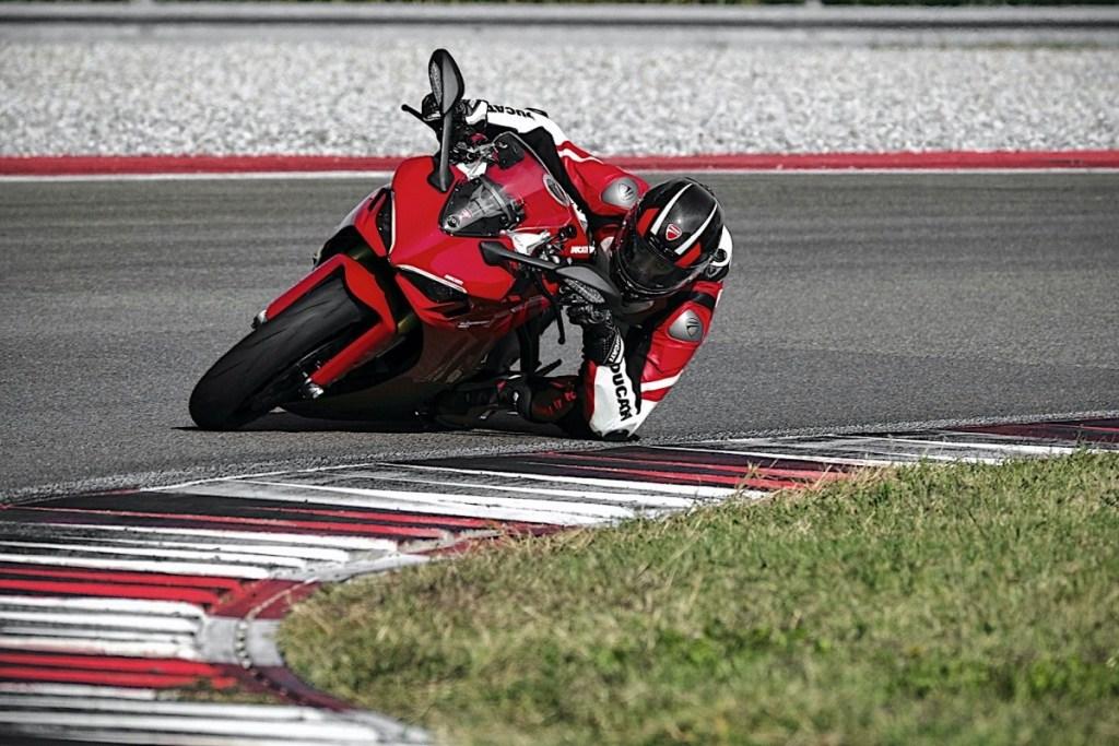 Ducati luncurkan SuperSport 950, Motor Sport Pemula Yang Sempurna