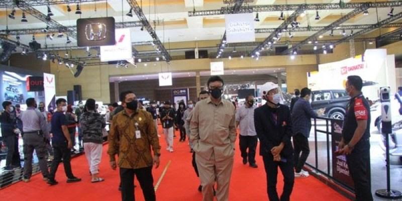 Kunjungan Tjahjo Kumolo di IIMS Hybrid 2021