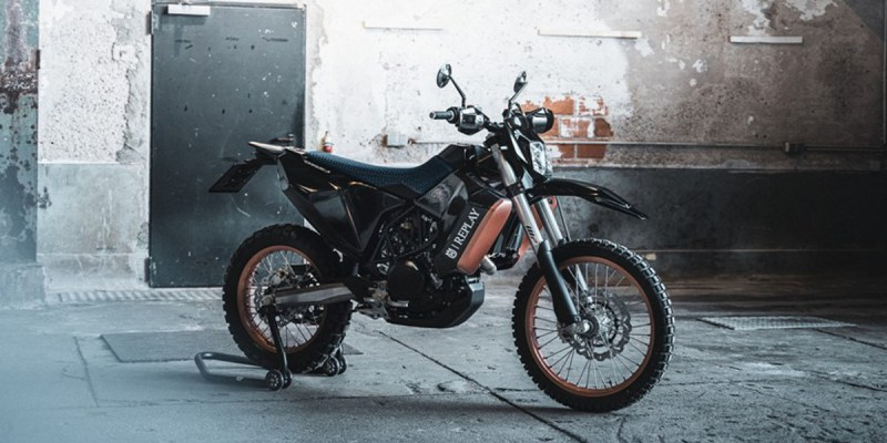 Kerjasama Husqvarna dan Replay Bikin Motor Edisi Terbatas