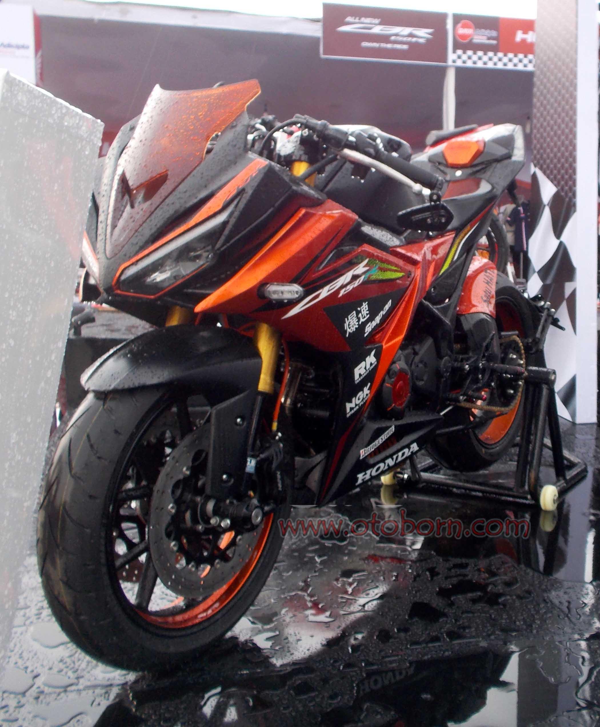 Koleksi Ide 77 Modifikasi Motor Honda New Cbr 150 Terbaru Pojok