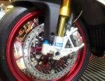 Aprilia RSV4RF braking front