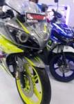 Yamaha R15 cargloss depan kanan
