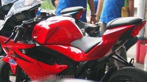 Suzuki GSXR150 Merah Red Parkir