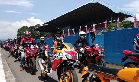 Berbagi Passion dan Keseruan di Sentul Mulai Games Hingga Parade CBR Rider
