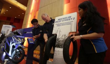 MICHELIN Pilot Street 2Ban Komuter Sport Terbaru Yang Diproduksi di Indonesia