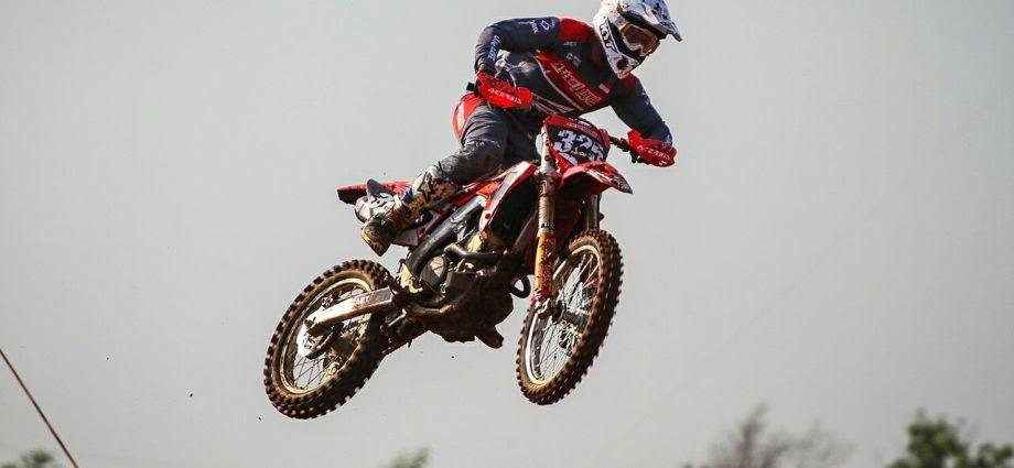 Penampilan Perdana AHRT Kejurnas Motocross Delvintor Alfarizi Turun di Kelas MX2