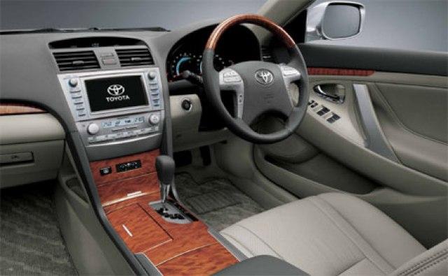 Kelebihan dan Kekurangan Sedan Toyota Camry XV40 Gen 2