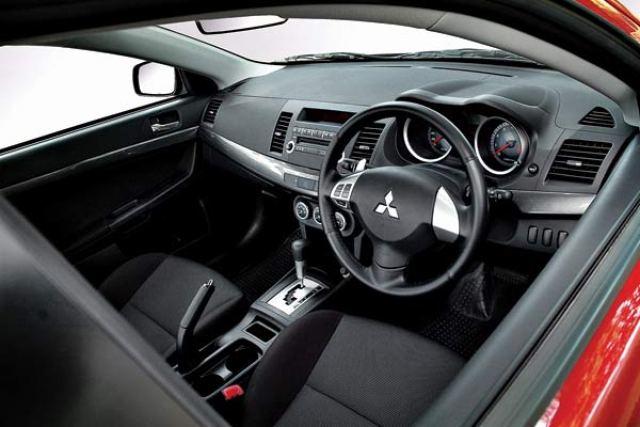 Kelebihan dan Kekurangan Sedan Mitsubishi Lancer 2.0 GT