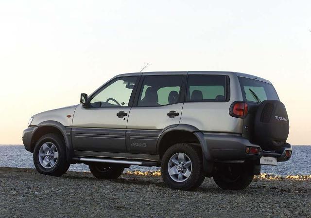 Kelebihan dan Kekurangan SUV Nissan Terrano Lengkap